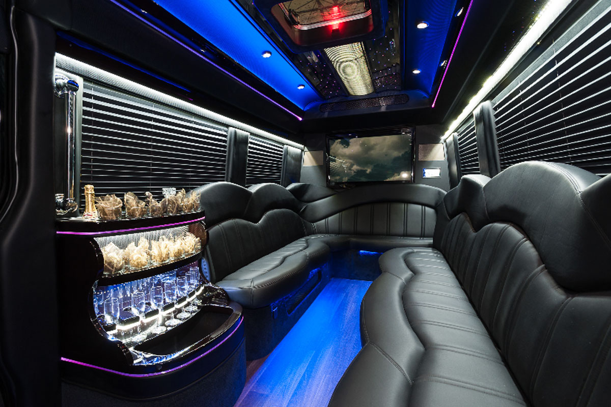 Chicago car service o 39 hare airport transportation all for Mercedes benz sprinter rental chicago