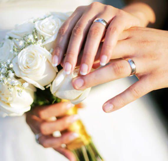Manicure Chicago Airport | Splendid Wedding Company