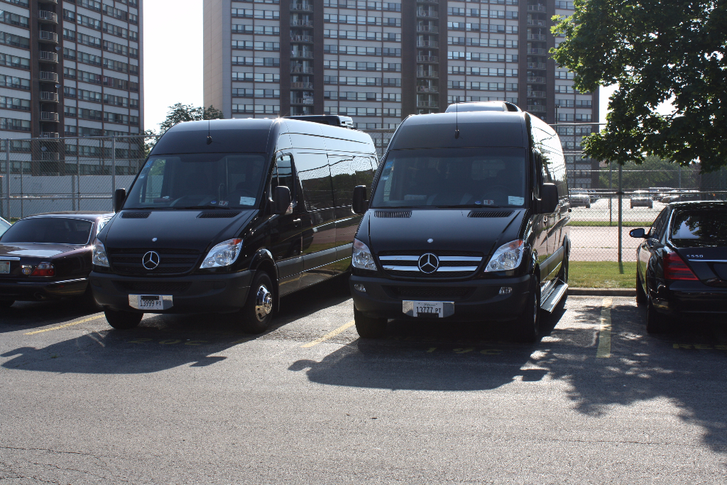 Transportation to McCormick Place, Business Conventions, Corporate Car Service, Hire Car Service Chicago, Sprinter Van Chicago, Sprinter Limo Chicago, Sprinter Limousine Chicago, Sprinter Bus Chicago