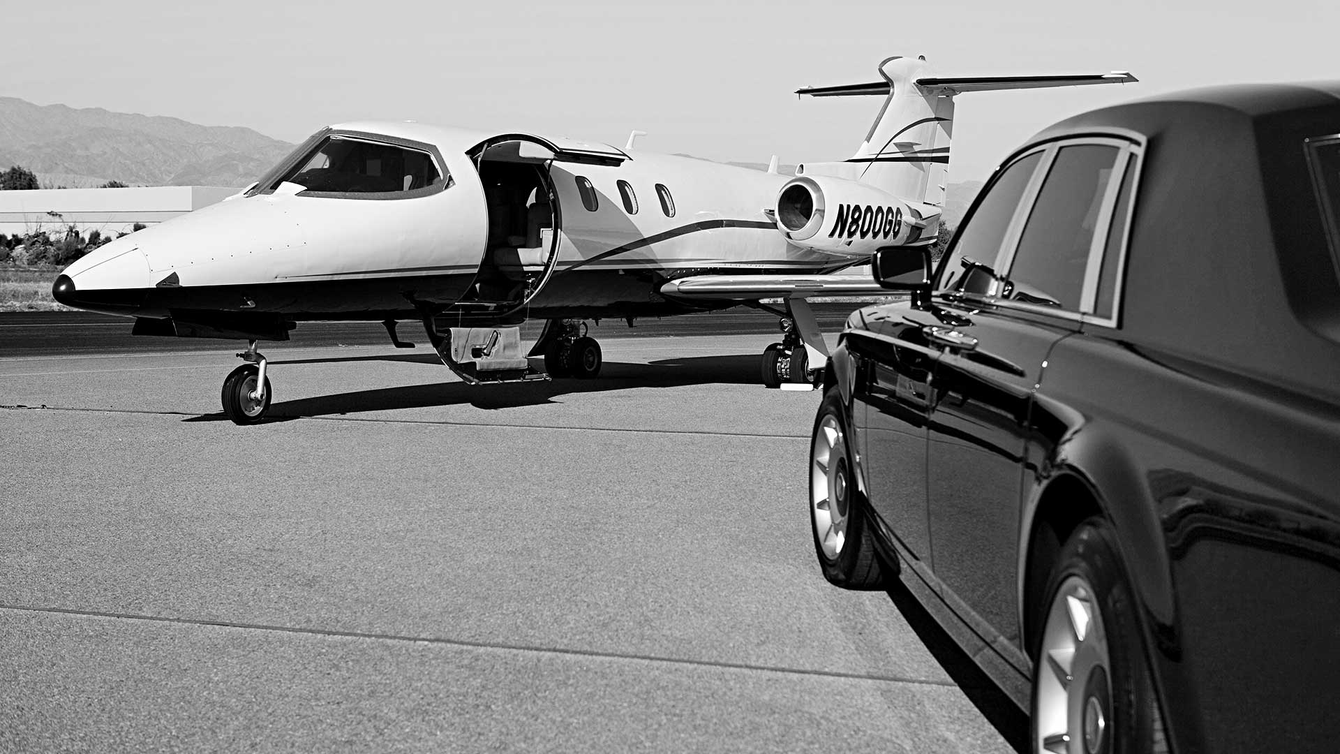 Chicago Airport Limo and Car Service Transportation, O'Hare, Midway, Limo Ride Shuttle